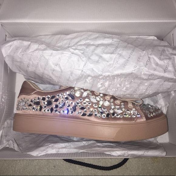 Aldo rhinestone sneakers ✨